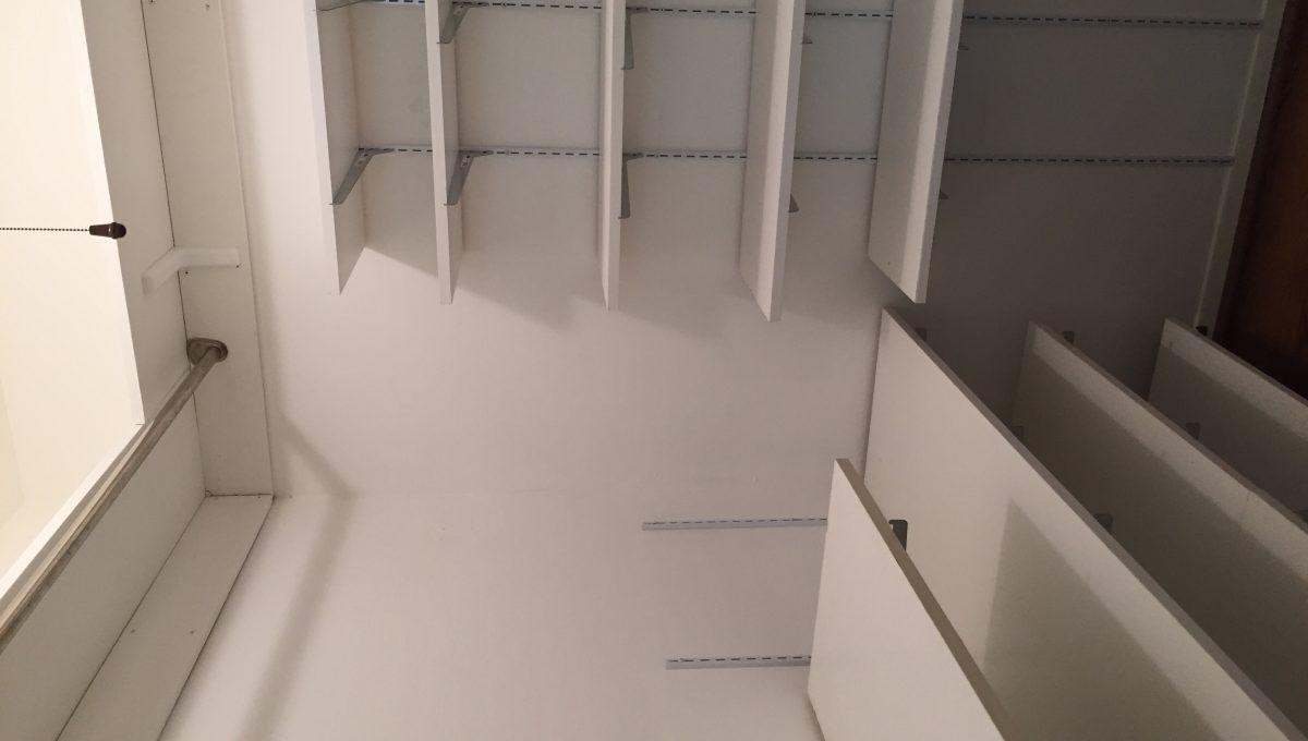 08 closet 1